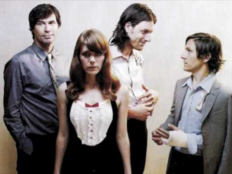 Does He Love You? - Rilo Kiley