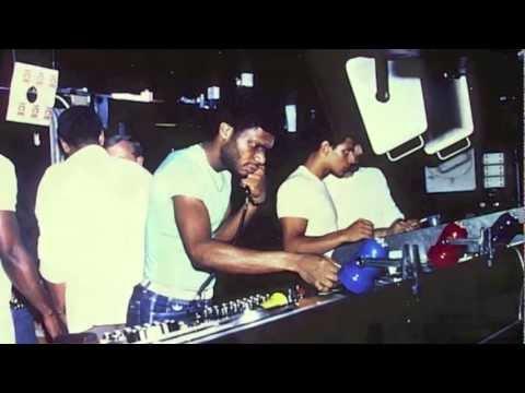 """Don't Make Me Wait"" NYC Peech Boys © 2011 West End Records Verse Music Group LLC."