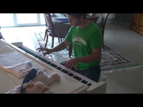 Pirates Of The Caribbean : He's A Pirate On Piano video