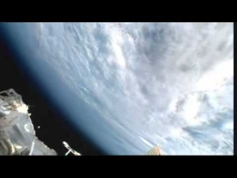 UFO orb captured in NASA ISS Streaming Video-2012-10-30-23h13m39s