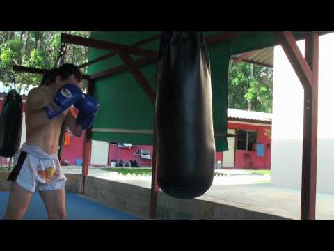 Fighters heavy bag conditioning demonstration @ Tiger Muay Thai Image 1