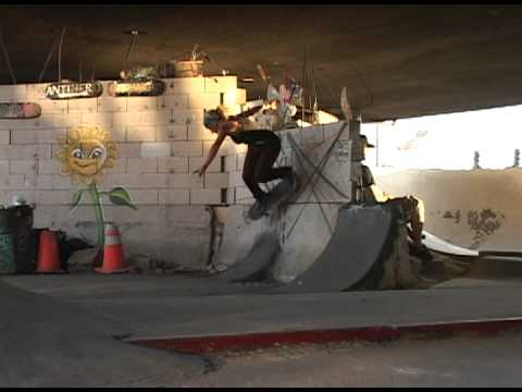Girl Skateboarders - Marginal Way (2009)