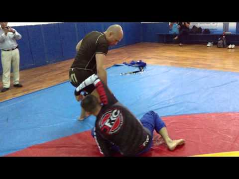 Jiu Jitsu Techniques - Sweep From De La Riva NoGi Image 1