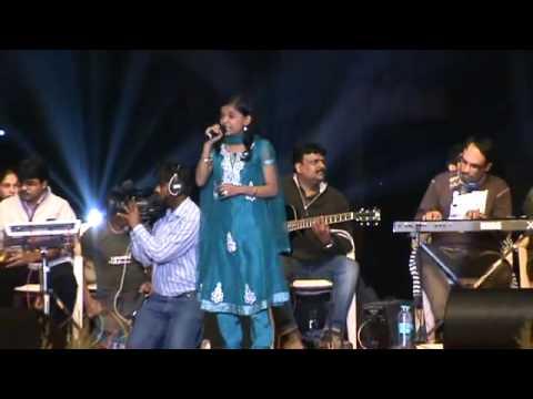 Nashik Festival 2012  Reshamachya Reghani By Kartiki Gaikwad cafenasik video