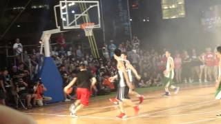 Jeremy Lin 林書豪 - Fast Break Reverse Layup in TaiWan Tour (台灣之行)