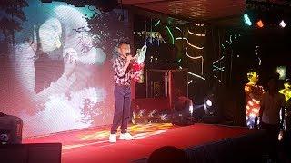 Cháu Linh cháy hết mình trong đêm nhạc thiện nguyện ở Hội An   Bản Sắc Việt