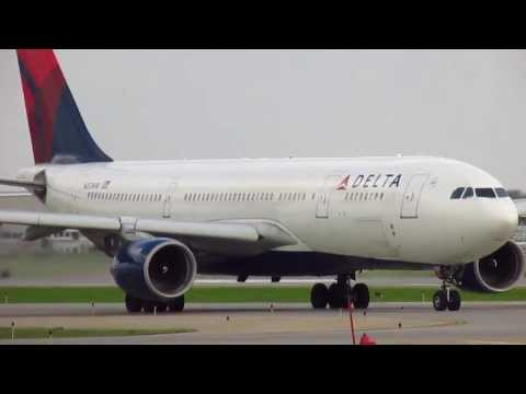 Delta Airlines Airbus A330-323X [N802NW] Taking-Off at Minneapolis Intl' Airport