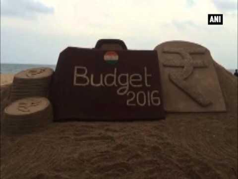 Sudarsan Pattnaik draws sand sculpture to welcome General Budget
