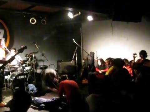 Carmen Sandiego - Destape 24/06/2011 (Bluzz live)