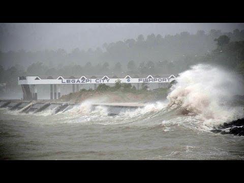 Tifón Haiyan azotó Filipinas y amenaza Vietnam -- Noticiero Univisión