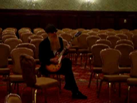 BIlly Gibbons Playing The Gibson Les Paul Pearly Gates #8 Unplugged Pt 1
