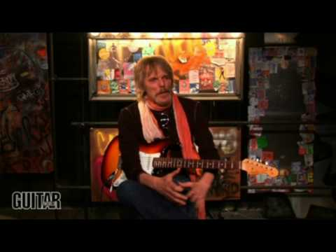 'The Boys are Back in Town' Guitar lesson by Scott Gorham of Thin Lizzy, Part 1