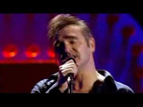 Morrissey - Let Me Kiss You (Live 2004)