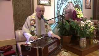 2012.10.27. Kirtan before SB ISKCON Riga, Latvia