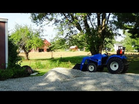 Spreading Gravel and Problem with New Holland Tractor Loader Hydraulics