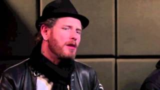 COREY TAYLOR Talks About His Writing Technique