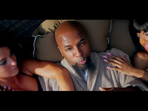 Tech N9ne - Hood Go Crazy (feat. 2 Chainz & B.o.B)