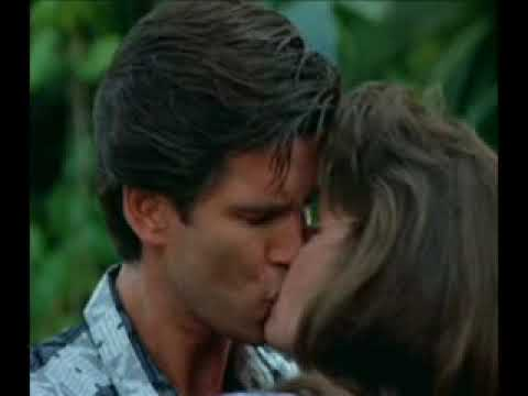 Pierce Brosnan - Kiss a Girl