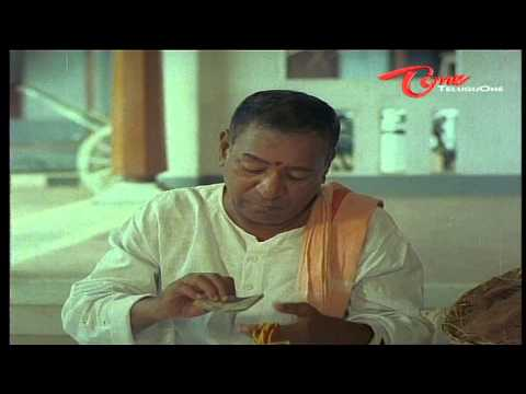 Suttivelu As Astrologer Hilarious Scene With His Beautiful Wife