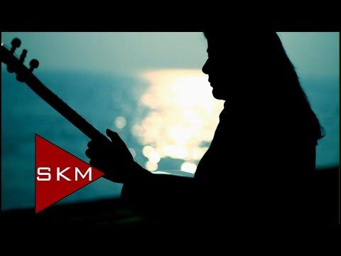 Evlerinin Önü Mersin-Efe feat.Gülay (Official Video)