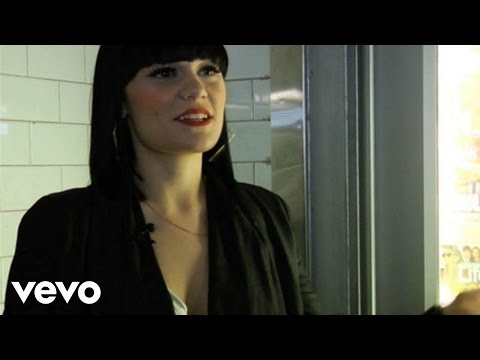 Jessie J - Who You Are (Boombox Series)