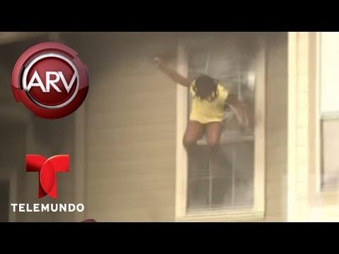 Jovencitas saltan de un edificio en llamas para salvarse   Al Rojo Vivo   Telemundo