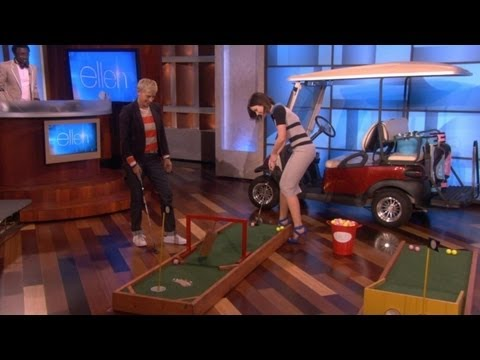Ellen and Emily Blunt Mini Golf