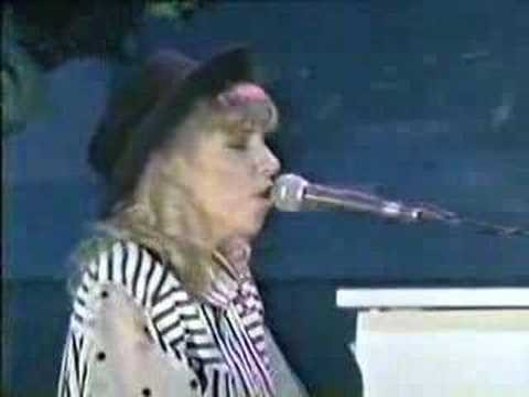 Debbie Gibson Foolish Beat (live concert)