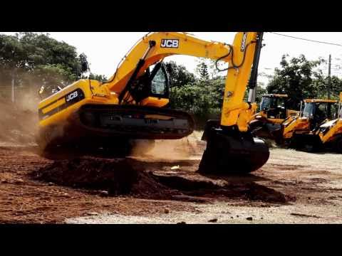 Big JCB open day by MECOM in Mauritius. www.eruption-studio.com Video by MAMBA and ERUPTION STUDIO.