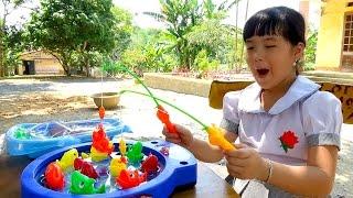 Đồ chơi câu cá vẫy đuôi tắm cho em bé Fishing games For Kids by Giai tri cho Be yeu