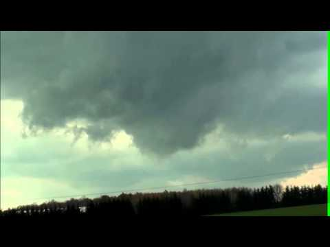Moorefield ON - Oct 20, 2013 - Wall cloud/brief cold core funnel