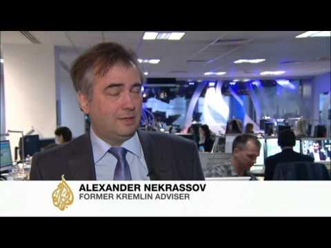 Russian billionaires battle in British court