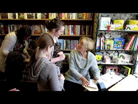 Emma Thompson & Scoular Anderson at Bookpoint, Dunoon.