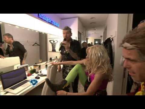 Showmatch 2014 - SE FUERON A LA DUCHA: ¡Le coparon el baño a Tinelli!