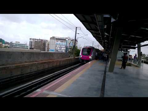 Crowded Mumbai Metro Train Rail Departing From Ghatkopar Station | India 2014 | [FULL HD]