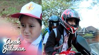 Boy anter anak kecil ke sekolahnya [Anak Jalanan] [20 Nov 2015]