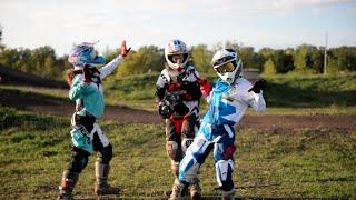 Girls Who Moto