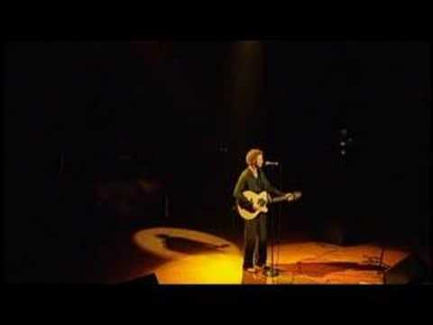 Simply Red - Holding Back the Years (live)