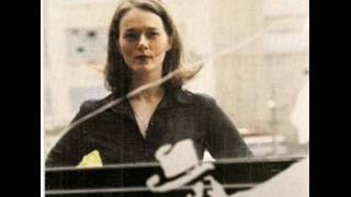 Watch Laura Cantrell Do You Ever Think Of Me video