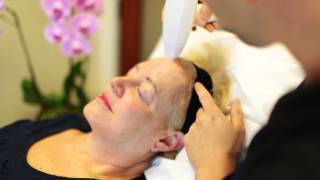 Dr. Jason Emer Demonstrates Venus Legacy and Venus Viva Radiofrequency Technologies