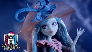 Your New Best Boos! Haunted Dolls Available Now!   Monster High