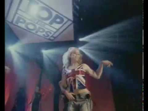 Billie-Piper-Day-n-Night-Live-TOTP