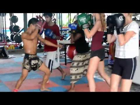 Beginners Group Muay Thai Training Image 1