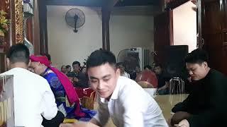 Quan Hoàng Bảy Bảo Hà, nghệ sỹ ưu tú Văn Ty dâng văn, hầu theo lối cổ