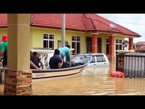 Banjir di Kemaman l Taman Desa Solehah l 2013