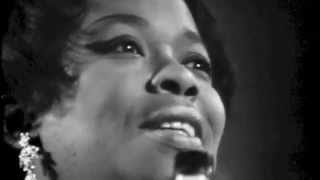 Watch Sarah Vaughan The Shadow Of Your Smile video