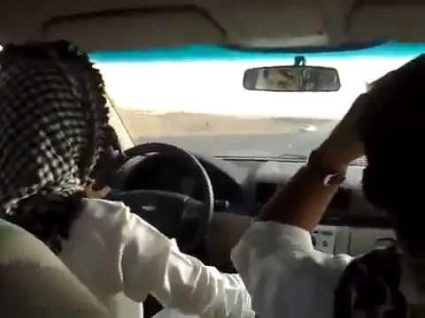 نياكة فتاة سعودية في السيارة و اصوات التاوه تملئ المكان