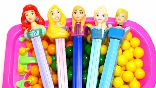 Disney Princess & Frozen Elsa Pez Candy -  Learn Colors & Counting Baby Doll Bath Playing