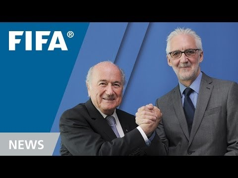 Cycling meets football - Interview with UCI president Brian Cookson