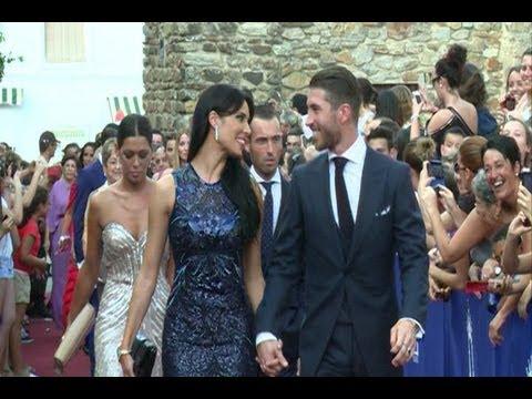 Ramos y Pilar Rubio, enamorados en la boda de Talavante